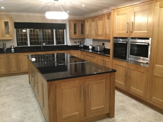 Just fitted kitchens solid oak in frame kitchen for Fitted kitchen designs zimbabwe