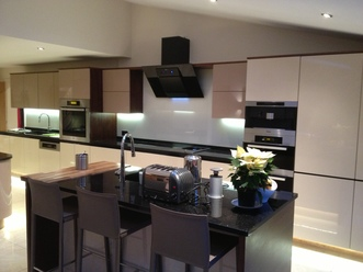 Modern Handle Free Kitchens